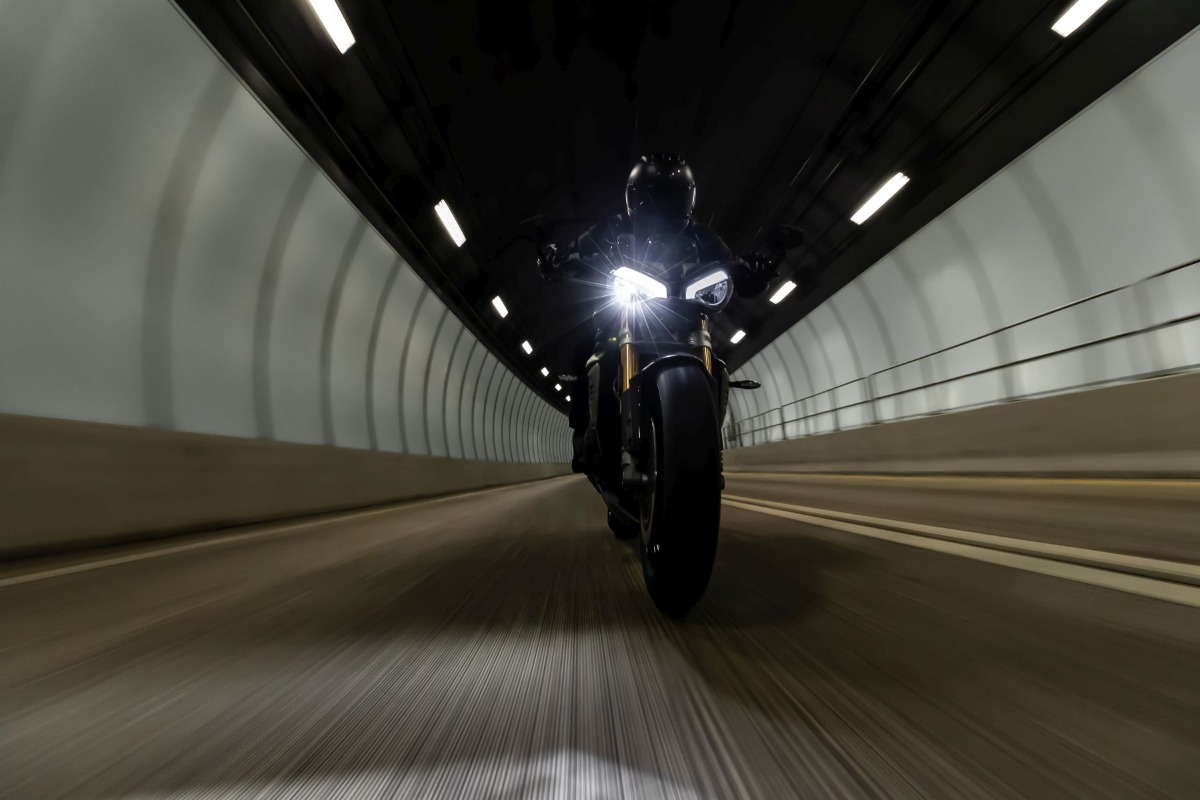 Speed Triple RS Teaser
